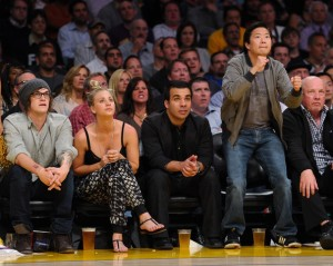 Celebrities+At+The+Lakers+Game+meSBSePGz2Ll